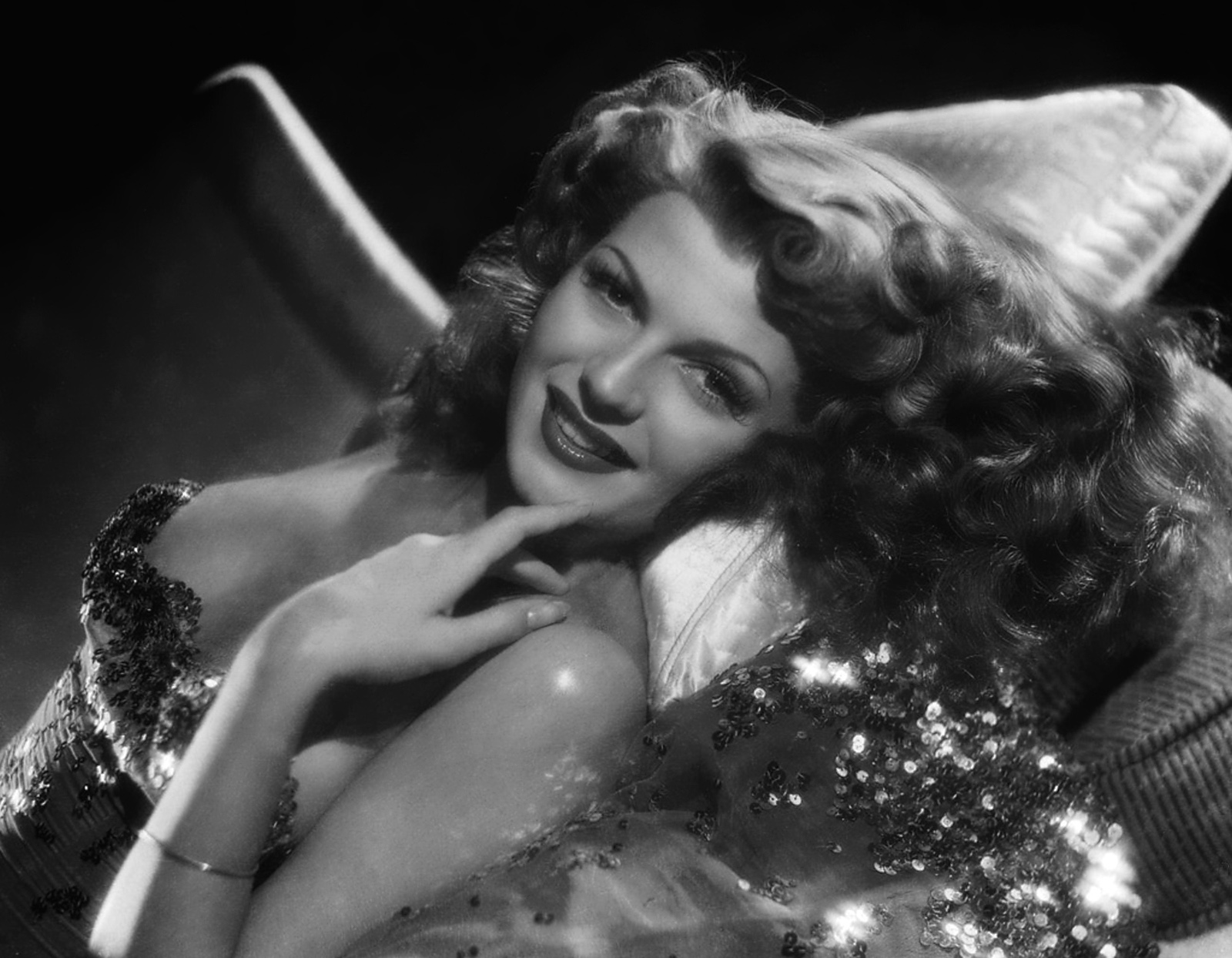 rita hayworth sway dancing перевод