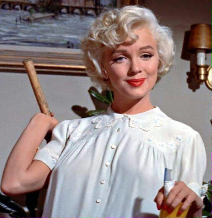 book review the girl marilyn monroe the seven year itch and the birth of an unlikely feminist